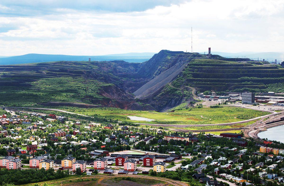 kiruna sin nieve-perspectiva del pueblo y la mina
